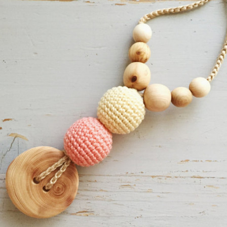 Best Babywearing Necklace in Peach & Light Yellow, Juniper Kangaroocare