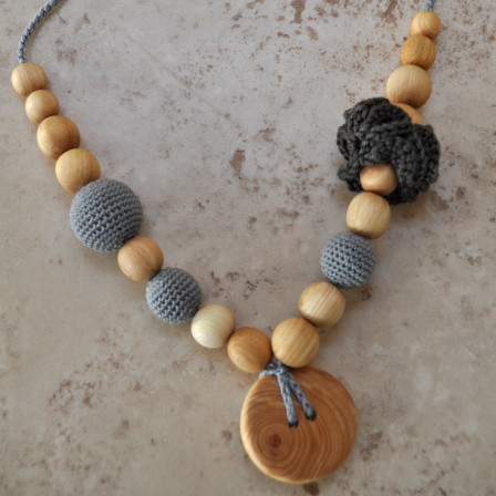 Necklace babywearing and breastfeeding Kangaroocare Cool Air Anthracite Flower Series Limited Naturiou
