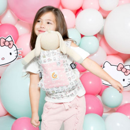 Ergobaby Porte-Poupée Hello Kitty Rose Play time