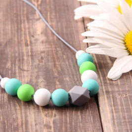 Love And Carry Mint Necklace breastfeeding, silicone food