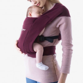 Ergobaby Embrace Bordeaux - Door-New born baby