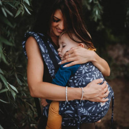 Limas Flex Flora Midnight Blue porte bébé physiologique en coton bio