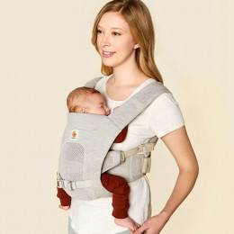 Ergobaby porte-bébé Aerloom Sable portage ventral maman